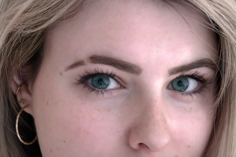 Eyebrow Cut – So kreierst du einen Augenbrauenschlitz in 5 Schritten